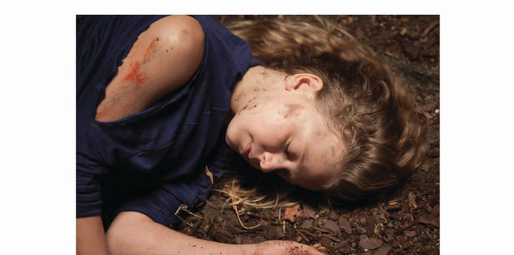 Kyley Rogers in Miracles from Heaven, dirt and bruising