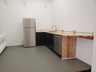 Studio 1 kitchen.jpg