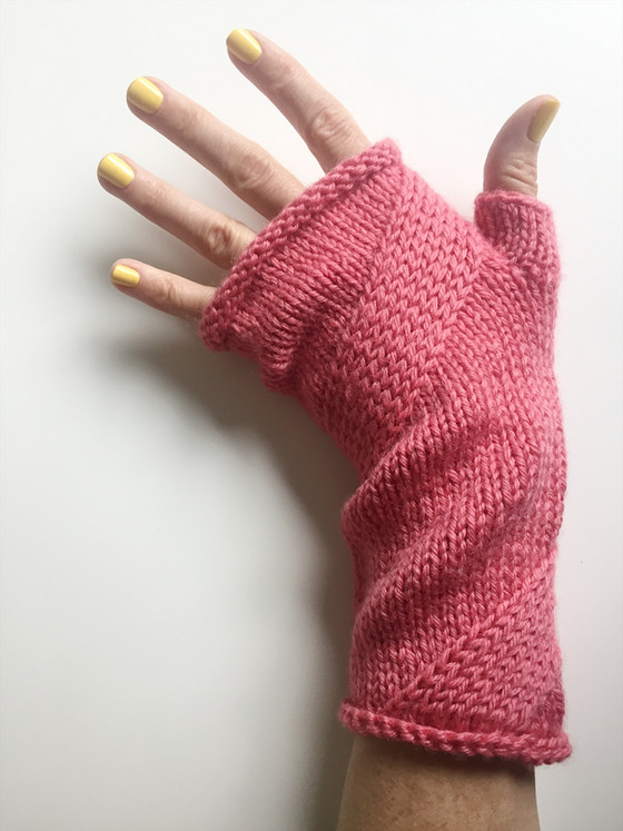 Mitt-A-Long: Crossed Stitches