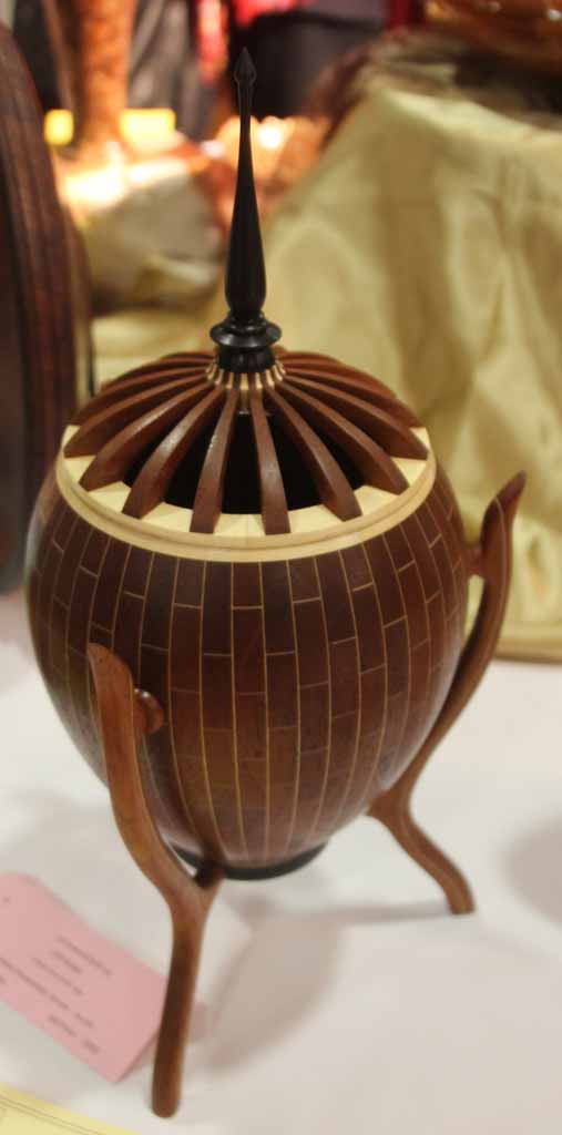 Cliff Walsh Lidded form with legs