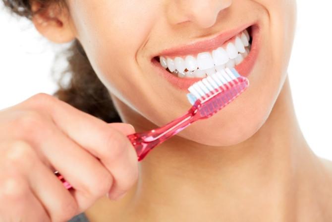 Mejorar La Higiene Dental Puede Disminuir el Riesgo de Neumonía