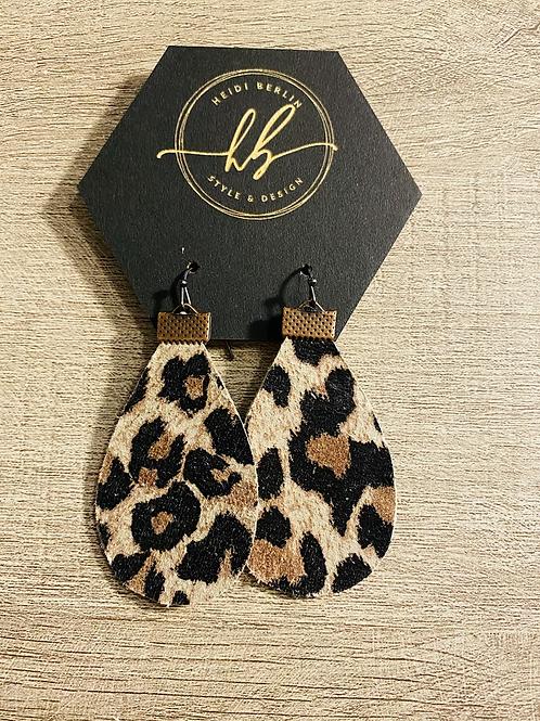 Teardrop leopard print