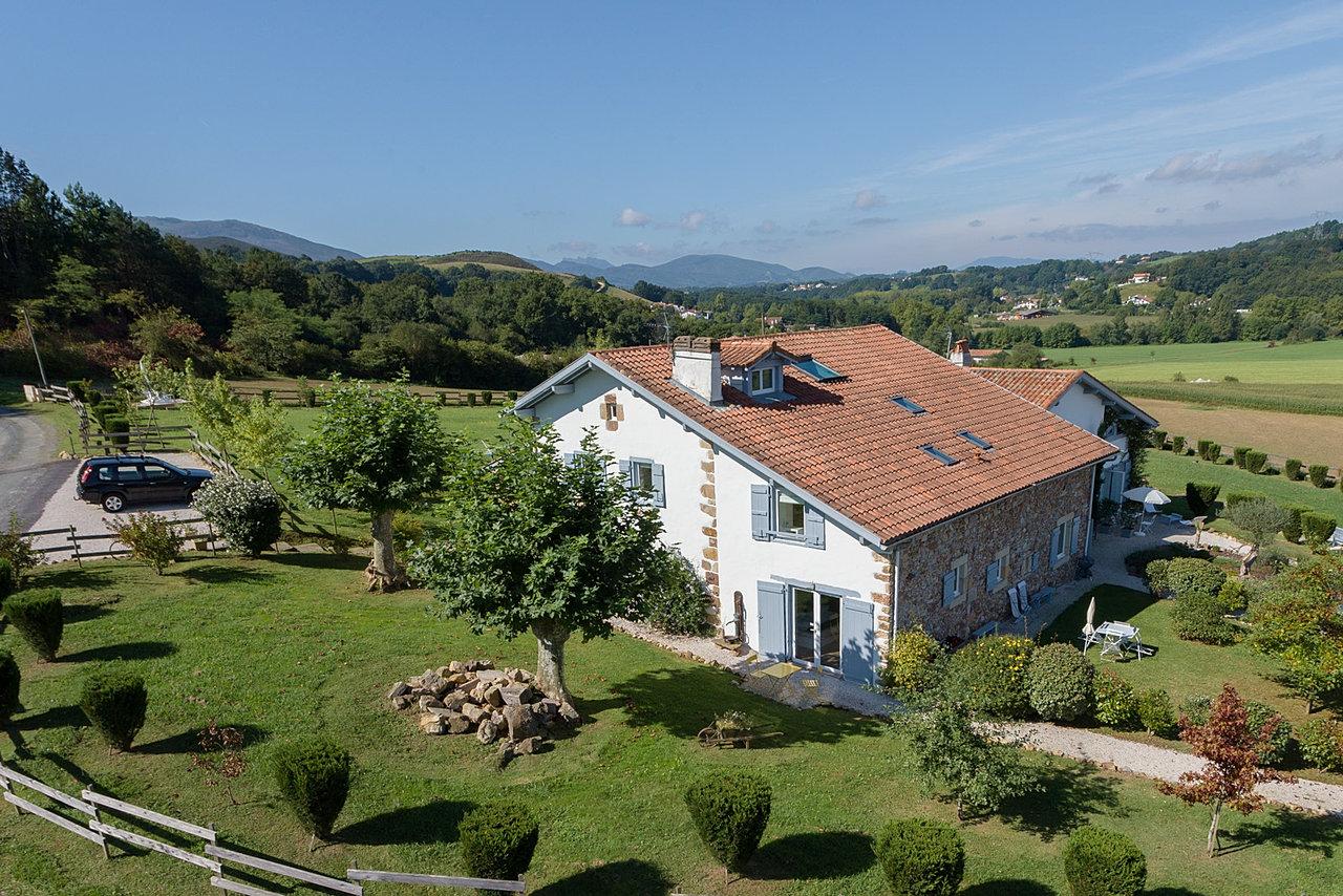 ferme elhorga chambres d 39 h tes g tes au pays basque porfolio. Black Bedroom Furniture Sets. Home Design Ideas