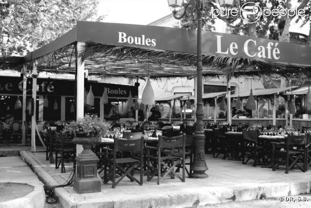 408645-lundi-10-mai-place-des-lices-a-637x0-2.jpg