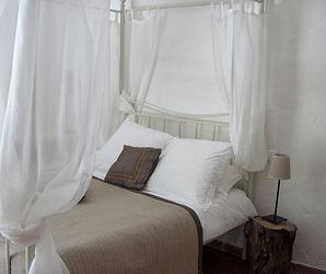 le lit de la chambre chataîgneraie