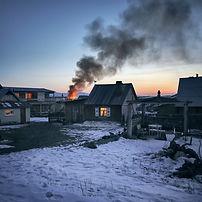 gray-wooden-house-burning-731577.jpg