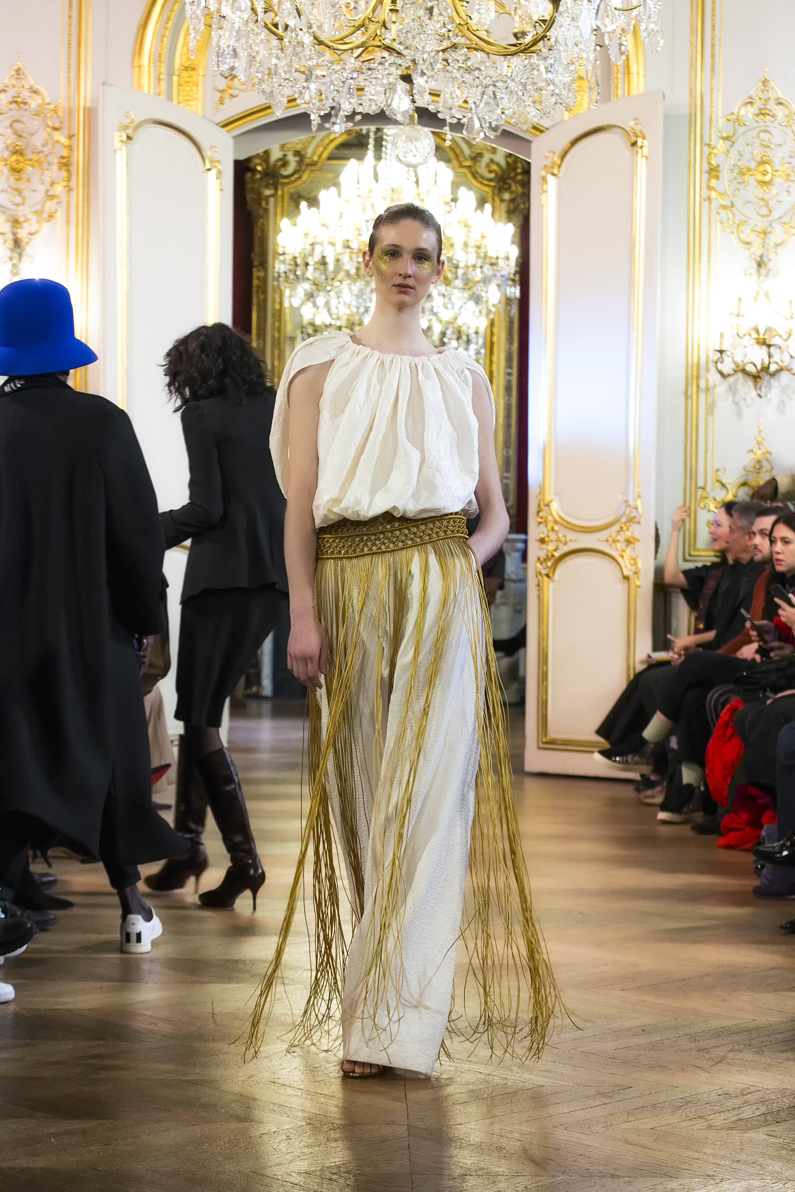 Couture SS 20 Akouma Look 1