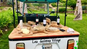 Fiesta en Playa con Queso y Jamon madurados en cuevas en Las Galeras Village.