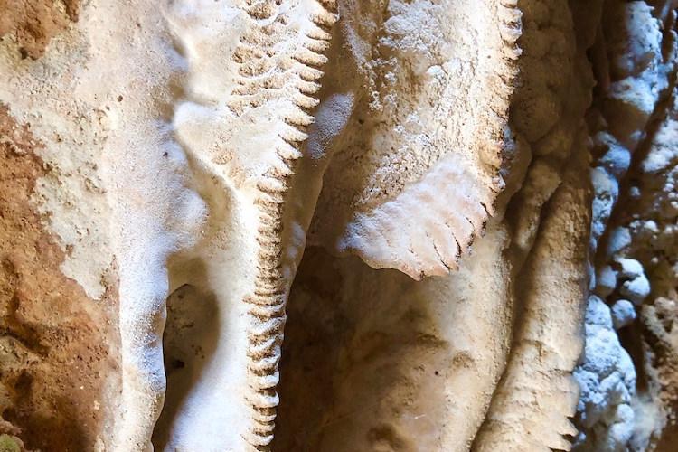 Cueva natural de muchos siglos.