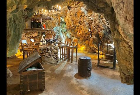 La Cueva (La Grotta)