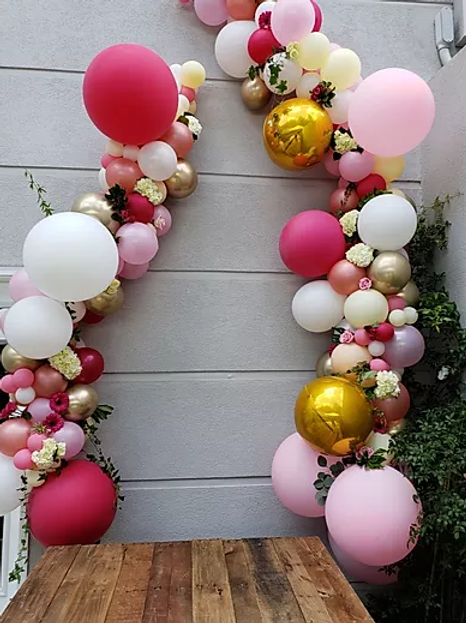 Organic Balloon Garland w/Silk Flowers