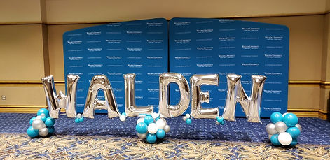Walden-Balloon-Decor-organic-photo-opp.j