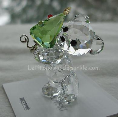 2011 Swarovski Annual Kris Bear with Tree 1091815 Christmas Retire
