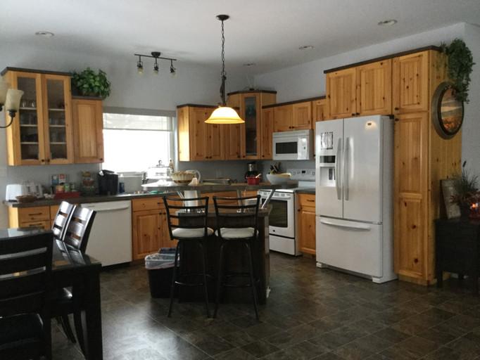 Kitchen veiw 1.JPG