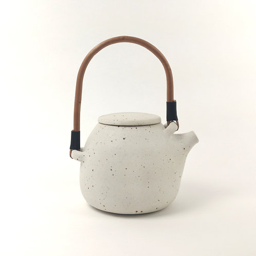 White Ceramic 'Gourd' Teapot with Willow Handle