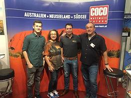 Coco Weltweit Risen bei der Ferienmesse