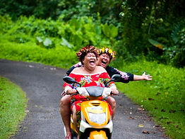 Cook Island Ladies © David Kirkland