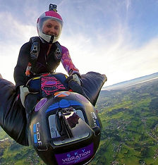 wingsuit rodeo alpes skydivechick