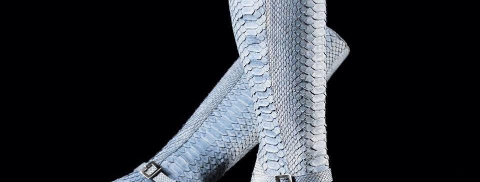 Stivali in pitone realizzati a mano su misura in Italia