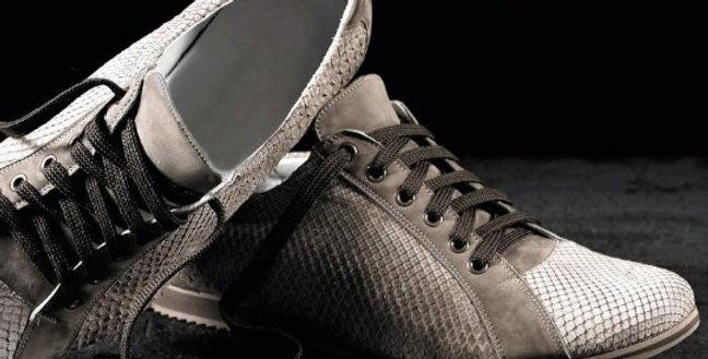 Sneakers in pitone e camoscio realizzate a mano su misura in Italia