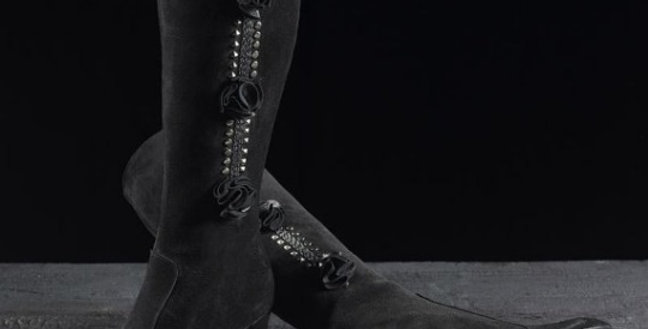 Stivali in camoscio realizzati a mano su misura in Italia