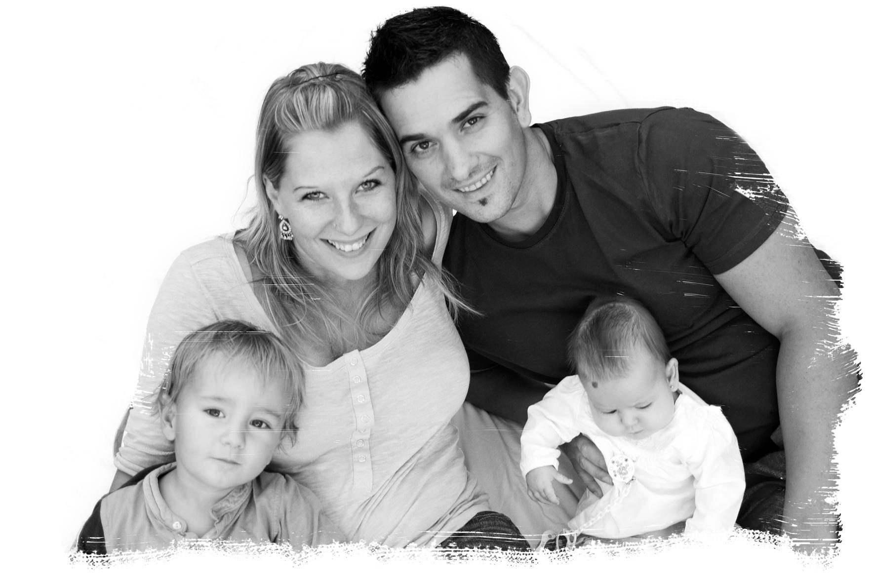 Familienporträt schwarz weiß