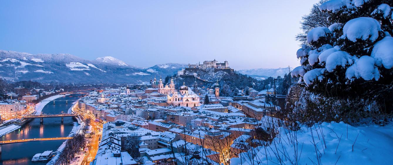 Salzburg_-_Abenddaemmerung_im_Winter__c_
