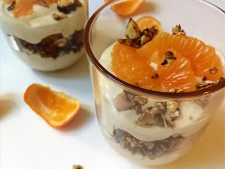 Topfen-Orangen-Creme mit Knuspernüssen