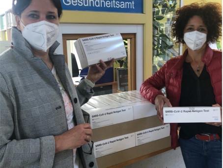 Herzlichen Dank an das Landratsamt Dachau für die Spende von 500 Covid-Schnelltests
