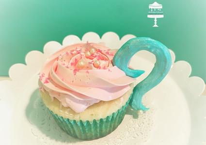 Teacup Cupcake.jpg