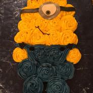 Minion Cupcakes Cake