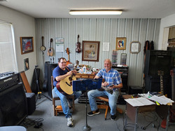 Tommy_Blackwood_At_His_Guitar_Lesson_Tod