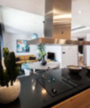 con FIBARO podes controlar administrar y automatizar hogares y ambiens de trabajo