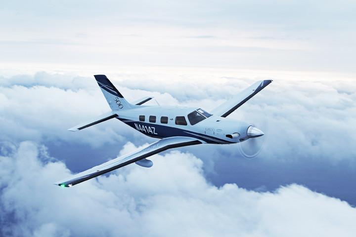 wPiperAircraftM500_A2A_H_Clouds2.jpg