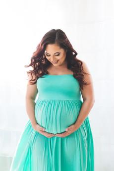 Cypress in studio maternity