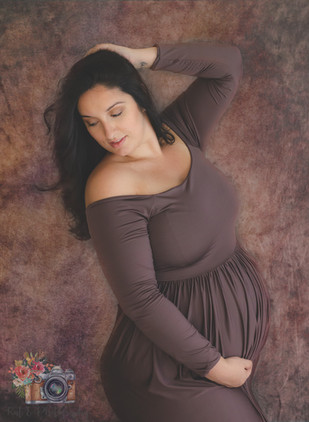 Cypress in studio maternity