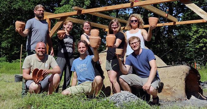 Befeuerung des rekonstruierten neolithischen Keramikbrennofens in Melaune 18.-22.06.+14.-16.09.2018