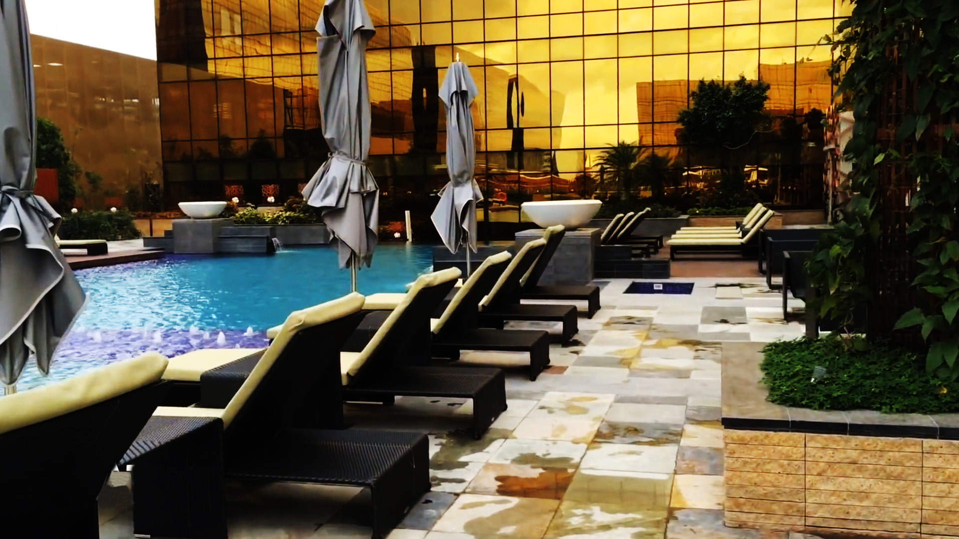 5 Star Pool Area 01.jpg