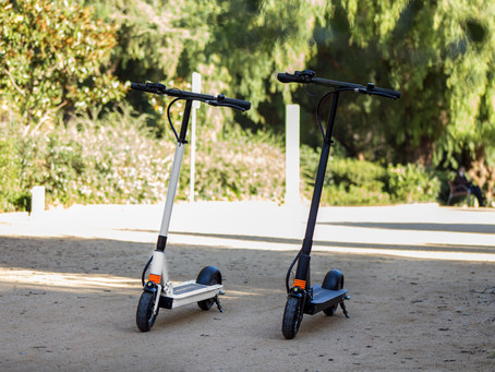 Electric Scooter vs. Electric Skateboard: What Should You Get?