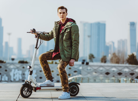 Hoverboards vs. Electric scooters: Who Wins?