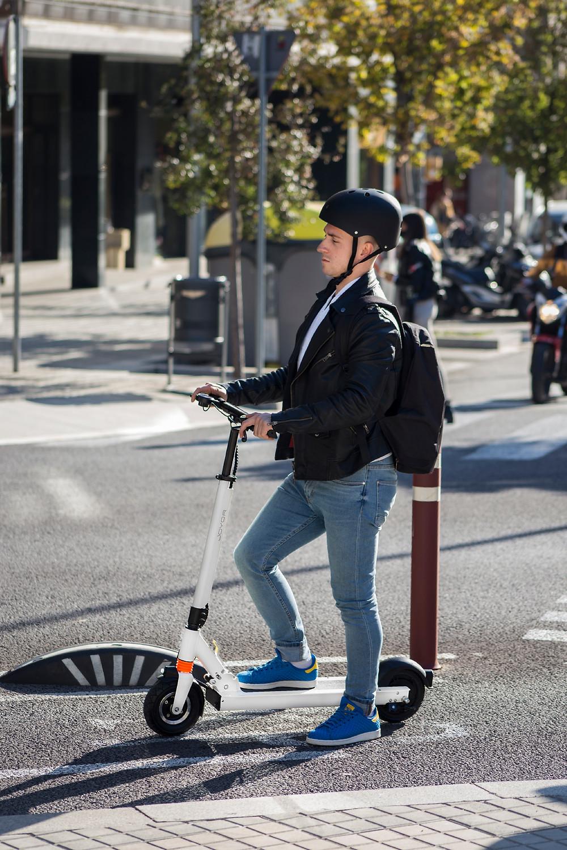 Joyor Electric Scooter F1 white Joyor Helmet