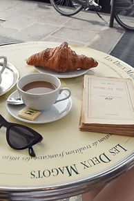 Les_Deux_Magots_Café_in_Saint_Germain,_