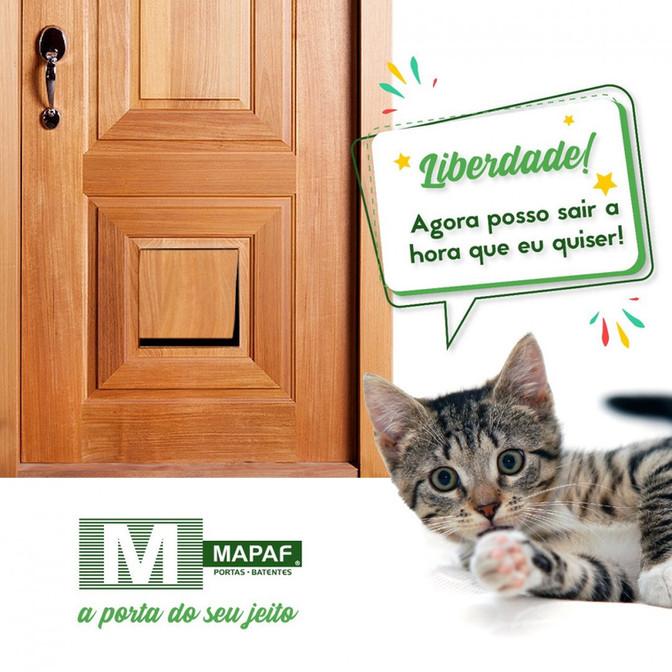 Porta com abertura para pets