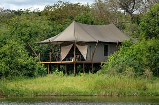 guest-tent-at-magashi.jpg
