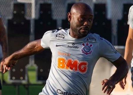 Corinthians vence e jogará tranquilo