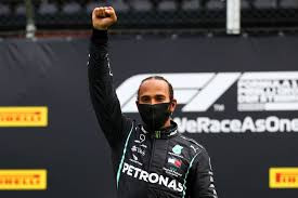 """Hamilton é """"apenas um intruso genial"""" na branca Fórmula 1"""