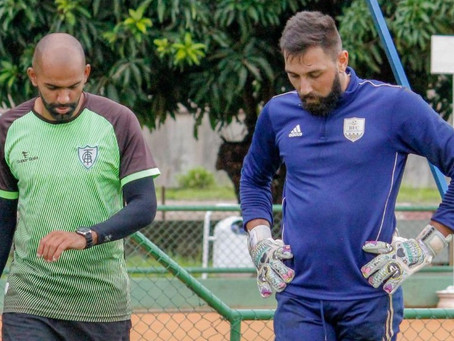 Goleiro Rhuan Jesus treina diariamente em Brasília