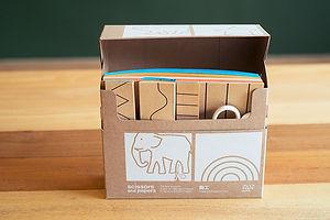 剪工盒, 模特梭利,  iyv's house