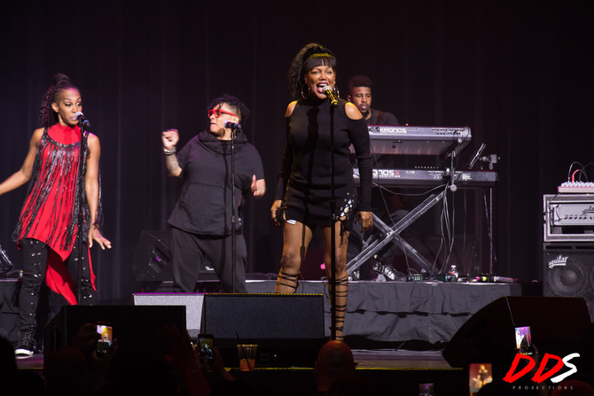 Michel'le at The Motor City Sound Board