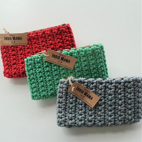 Indiemama - Crochet Clutch